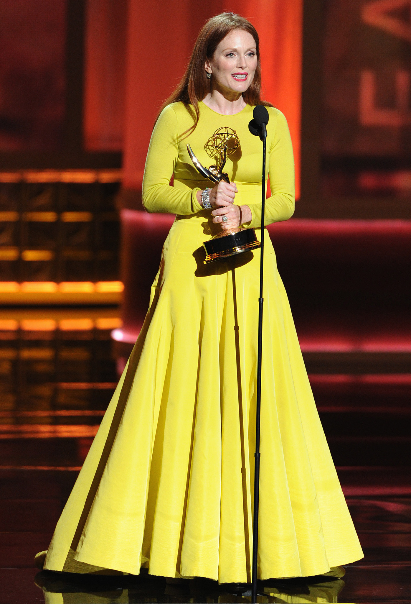 emmys-top-moments-17-moore2.jpg