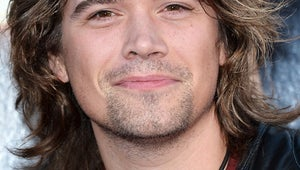 VIDEO: Angry Fan Spits on Zac Hanson's Face
