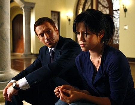 "Life - Season 2, ""Jackpot"" - Damian Lewis as Charlie Crews, Jessy Schram as Rachel Seybolt"