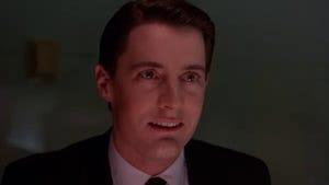 Twin Peaks, Season 1 Episode 1 image