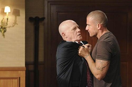 "Prison Break - Season 4, ""Selfless"" - Leon Russom as General Krantz, Dominic Purcell as Lincoln"