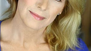 """VIDEO: Law & Order Vet Leslie Hendrix on Playing the Same """"Cranky, Old Broad"""" for 19 Years"""
