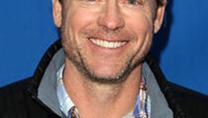 Modern Family Partners With Greg Kinnear for Guest Spot