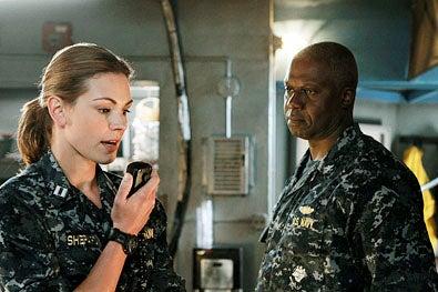 "Last Resort - Season 1 - ""Pilot"" - Daisy Betts and Andre Braugher"
