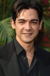 Alexis Cruz as Roberto Santos