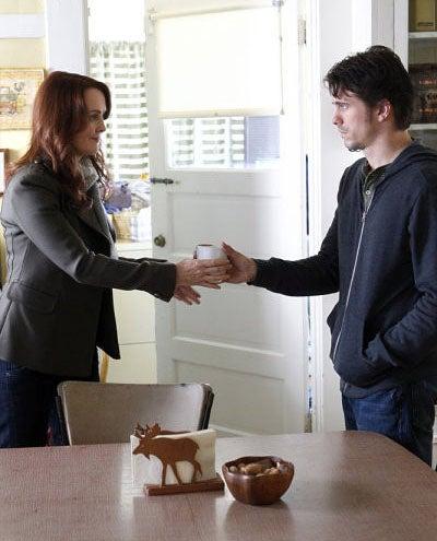 "The Event - Season 1 - ""Inostranka"" - Laura Innes as Sophia McGuire and Jason Ritter as Sean Walker"
