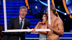 Dancing With the Stars, Season 19 Episode 12 image