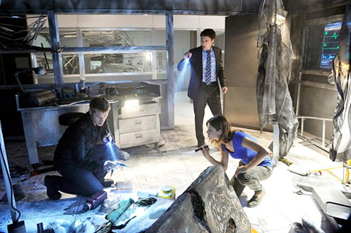 "Nikita - Season 3 - ""The Swords Edge"" - Devon Sawa, Noah Bean and Lyndsy Fonseca"