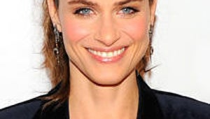 Amanda Peet Cast in NBC Sitcom Pilot