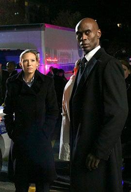 "Fringe - Season 2 - ""What Lies Below"" - Anna Torv and Lance Reddick"