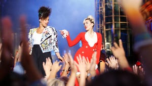 A Scientific Assessment of How Alicia Keys and Miley Cyrus Will Judge The Voice Contestants, in 12 Gifs