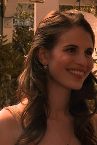 Amelia Rose Blaire as Sarah Grant