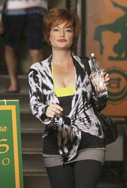 """Cougar Town - Season 1 - """"Two Gunslingers"""" - Carolyn Hennesy"""