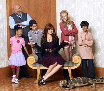 Jessie - Season 1 - Kevin Chamberlin as Bertram, Skai Jackson as Zuri, Cameron Boyce as Luke, Debby Ryan as Jessie, Peyton List as Emma and Karan Brar as Ravi