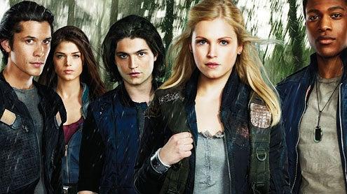 The 100 - Season 1 - Bob Morley as Bellamy, Marie Avgeropoulos as Octavia, Thomas McDonell as Finn, Eliza Taylor as Clarke and Eli Goree as Wells