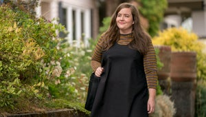 Shrill Is a Refreshing, Lighthearted Journey to Self-Love, With Cute Crop Tops and No Trauma Porn