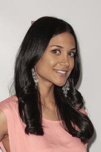 Melanie Kannokada as Ayesha