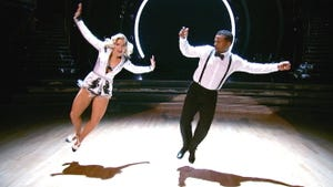 Dancing With the Stars, Season 19 Episode 13 image