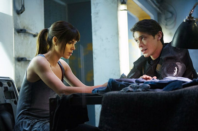 """The 100 - Season 1 - """"His Sister's Keeper"""" - Marie Avgeropoulos and Bob Morley"""