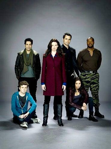 Continuum - Season 1 - Erik Knudsen, Stephen Lobo, Rachel Nichols, Victor Webster, Lexa Doig and Roger Cross