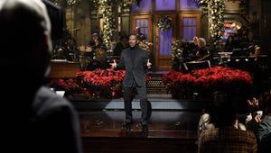 Eddie Murphy Gets a Hero's Welcome Hosting Saturday Night Live