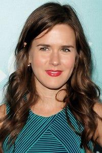 Zoe Jarman as Lindsay