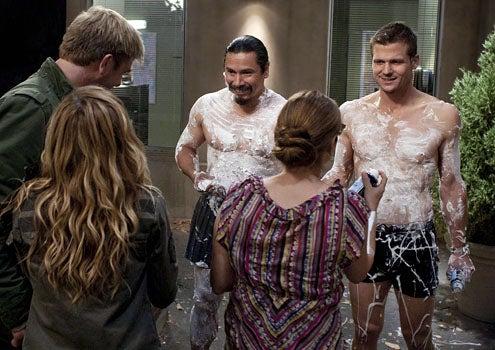 "Saving Grace - Season 3 - ""Popcorn"" - Kenny Johnson, Greg Cruz, Bailey Chase, Laura San Giacomo and Holly Hunter"