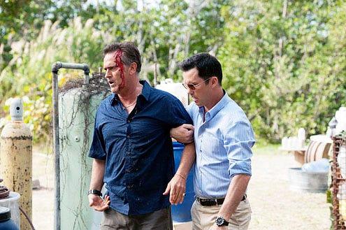"Burn Notice - Season 6 -""Under the Gun"" - Bruce Campbell and Jeffrey Donovan"