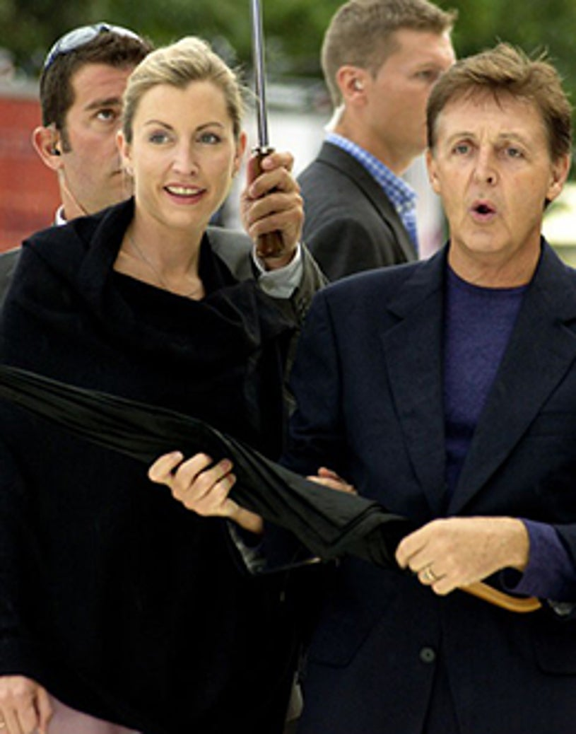 """Heather Mills and Paul McCartney - """"Tuesday"""" premiere in Italy, September 4, 2001"""