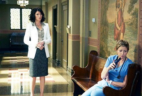 "Nurse Jackie - Season 3 - ""F. the Lemurs"" - Eve Best and Edie Falco"