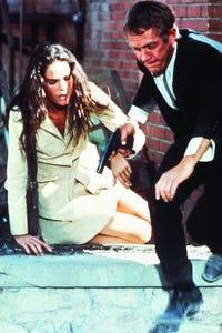 Ali MacGraw as Jennifer Cavalleri