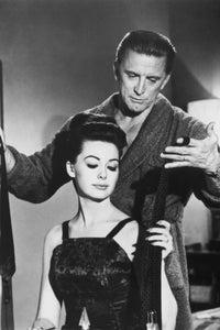 Barbara Rush as Dorothy Mallinson