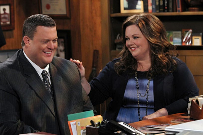 """Mike & Molly - Season 2 - """"Molly Can't Lie"""" - Melissa McCarthy, Billy Gardell"""