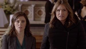Shiri Appleby Crashes a Wedding In This Law & Order: SVU Sneak Peek