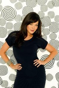 Lindsay Price as Linda