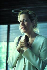 Joely Fisher as la soeur de Moira