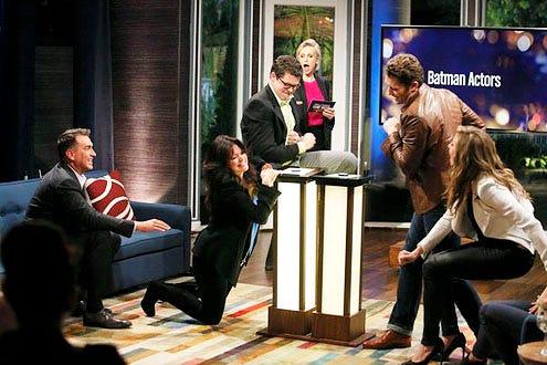 Hollywood Game Night - Season 1 - Rob Riggle, Valerie Bertinelli, Contestant, Jane Lynch, Matthew Morrison and Sarah Chalke