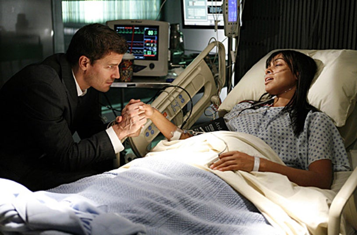 "Bones - Season 2 - ""The Man in the Cell"" - David Boreanaz as Booth and Tamara Taylor as Cam"
