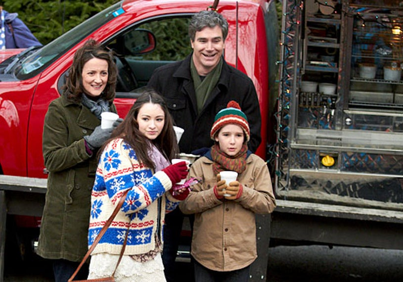 Home Alone: The Holiday Heist - Ellie Harvie, Jodelle Ferland, Doug Murray, and Christian Martyn