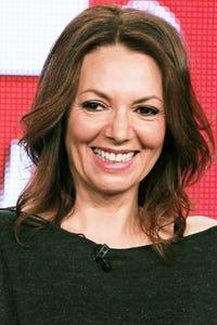 Joanne Whalley as Vanossa