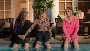 Watch Lisa Kudrow Sparkle in This New Grace and Frankie Trailer