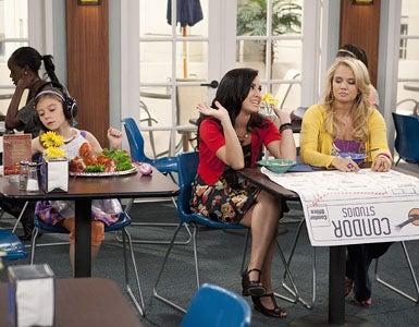 "Sonny With A Chance - Season 2 - ""Dakota's Revenge"" - G. Hannelius, Demi Lovato and Tiffany Thornton"