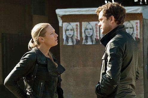 "Fringe - Season 5 - ""Five-Twenty-Ten"" - Anna Torv and Joshua Jackson"
