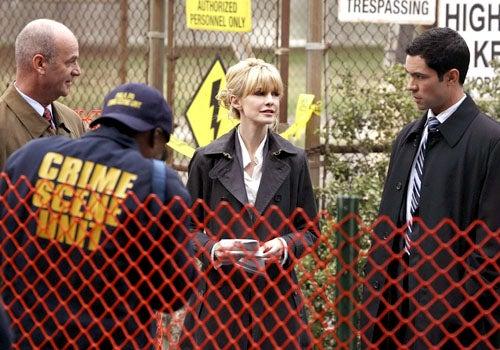 "Cold Case - Season 5, ""World's End"" - John Finn as John Stillman, Kathryn Morris as Lilly Rush, Danny Pino as Scotty Valens"