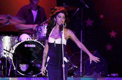 Amy Winehouse - concert in Sao Paulo, Brazil, January 15, 2011