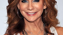 Reba McEntire Plots Return to TV on ABC Comedy