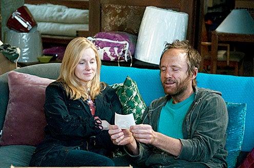 "The Big C - Season 2 - ""Musical Chairs"" - Laura Linney and John Benjamin Hickey"