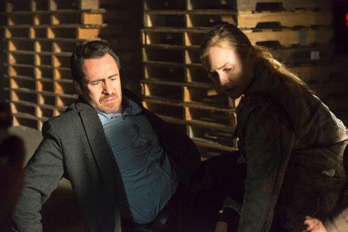 """The Bridge - Season 1 - """"Maria of the Desert"""" - Demian Bechir as Marco Ruiz, Diane Kruger as Sonya Cross"""