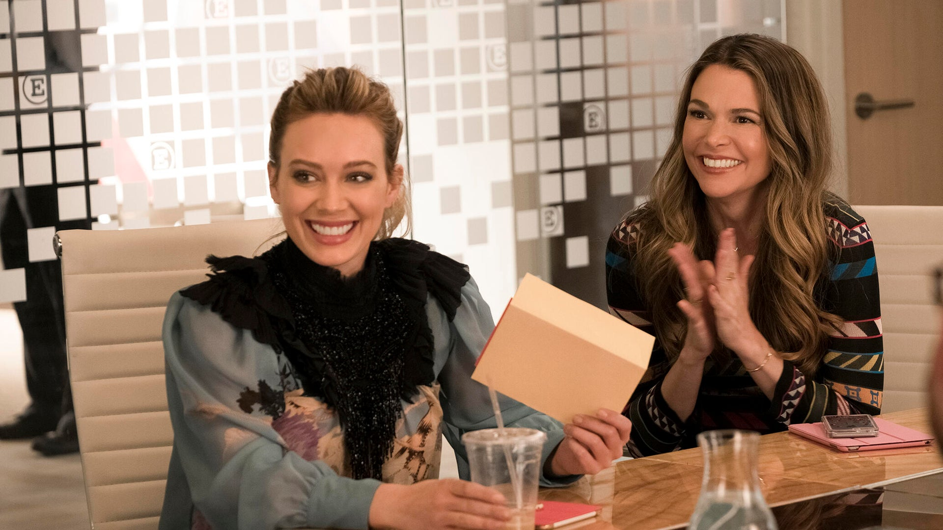 Hilary Duff, Sutton Foster, Younger