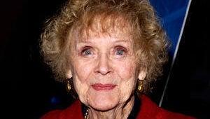 Titanic Star Gloria Stuart Dies at 100